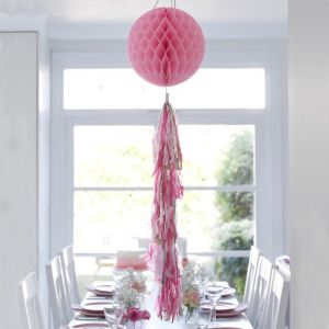 Honeycomb met tassels roze Talking Tables