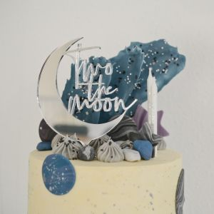 Taarttopper 2 jaar two the moon