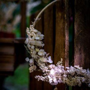 Decoratie krans met droogbloemen hydrangea