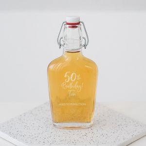 Whiskey beugelfles met naam birthday goud 50