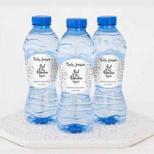 Babyshower drinks flesje water monochoom