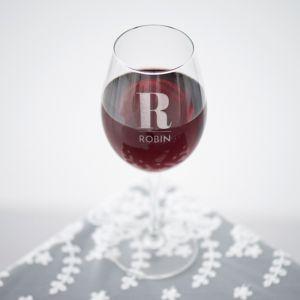 Wijnglas graveren initiaal met naam