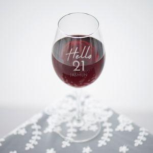 Wijnglas graveren hello 21