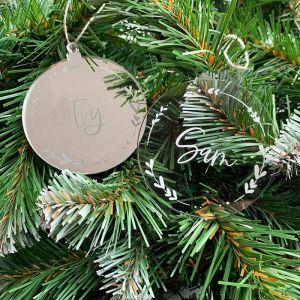 Gepersonaliseerde kersthanger met hartjes krans