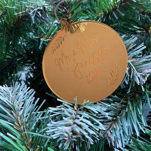 Gepersonaliseerde kersthanger met takjes
