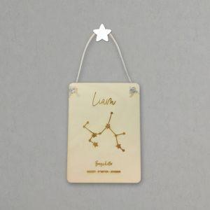 Houten naambanner met sterrenbeeld