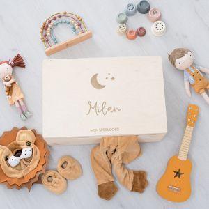 Houten speelgoedkist met naam en maan