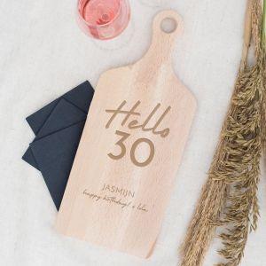 Houten serveerplank verjaardag hello 30