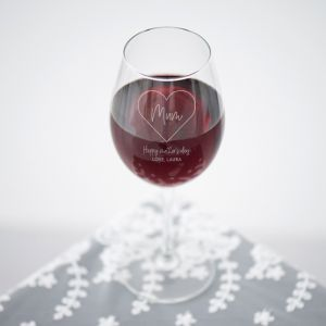 Wijnglas graveren mum met hart