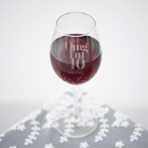 Wijnglas graveren omg 40